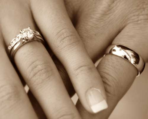 wedding rings on hands | Treading Grainwedding rings on ...
